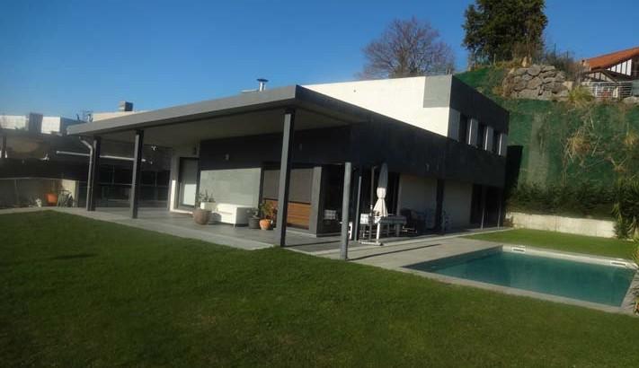 Villa individual en amara hospitales for Piscina intxaurrondo