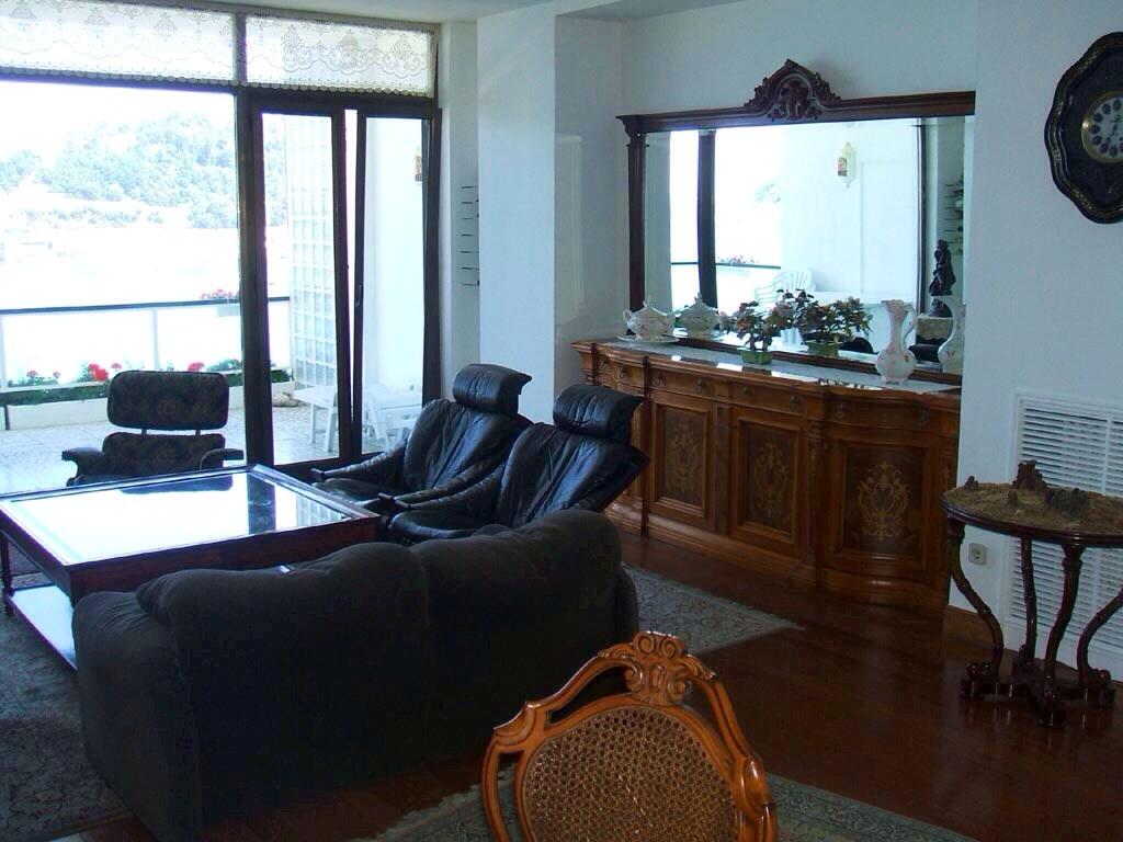 Miraconcha con terraza for Pisos en intxaurrondo